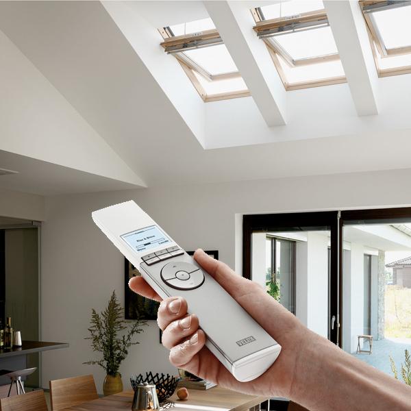 Ggl solarfenster kabellose montage einfach und schnell dachbau cottbus e k - Velux dachfenster einstellen ...